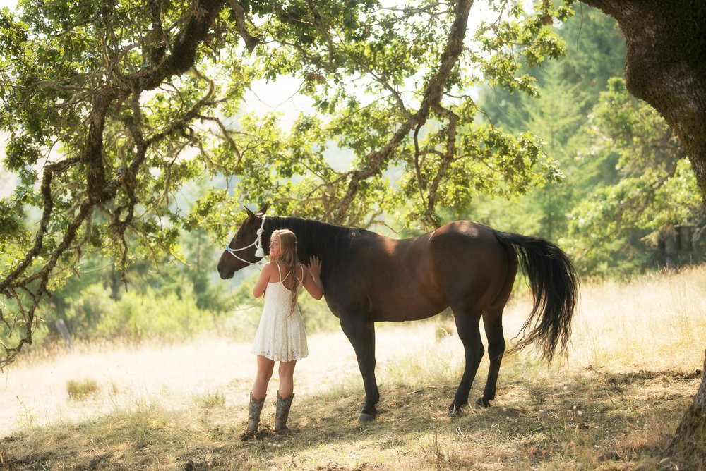 Emily-SeniorPortraits-HumboldtCounty-Parky'sPics-Horse-38.jpg