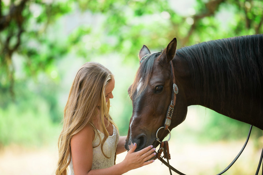 Emily-SeniorPortraits-HumboldtCounty-Parky'sPics-Horse-41.jpg