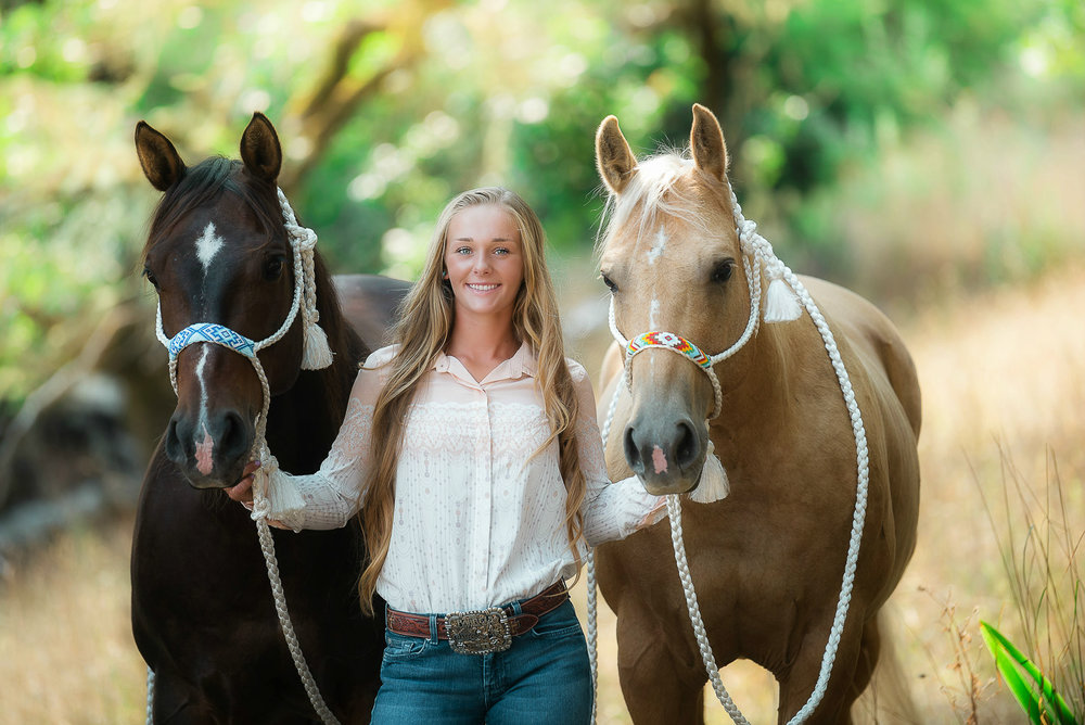 Emily-SeniorPortraits-HumboldtCounty-Parky'sPics-Horse-45.jpg