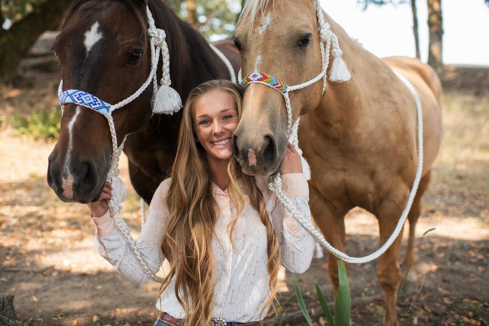 Emily-SeniorPortraits-HumboldtCounty-Parky'sPics-Horse-47.jpg
