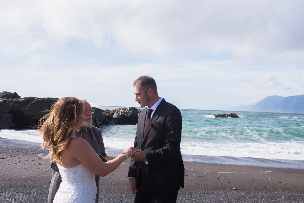 Shelter Cove-Intimate Destination beach Wedding-Parky's Pics Photography-Humboldt County_.jpg