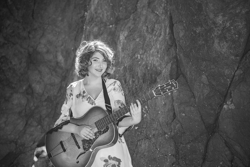 KyraMusicSeniorPortraits-Parky'sPics-HumboldtCountySeniorPhotographer-ShelterCove-5.jpg