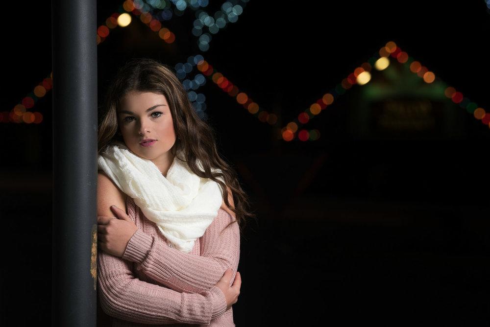 Shelby-NighttimeChristmasShoot-Scotia-Parky'sPics-21.jpg