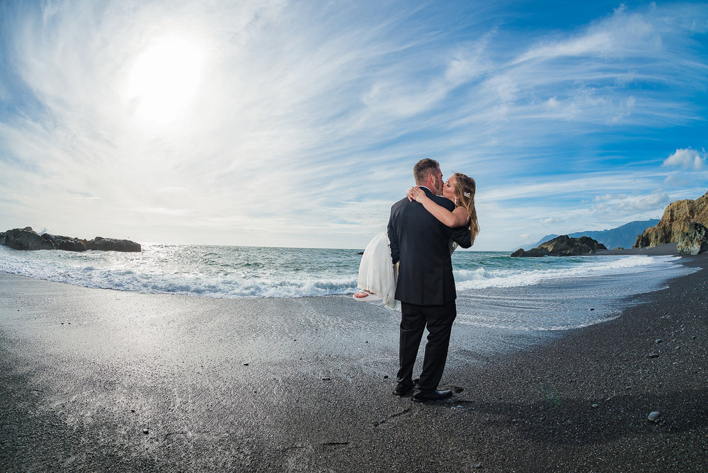 Shelter Cove-Intimate Destination beach Wedding-Parky's Pics Photography-Humboldt County_-41.jpg