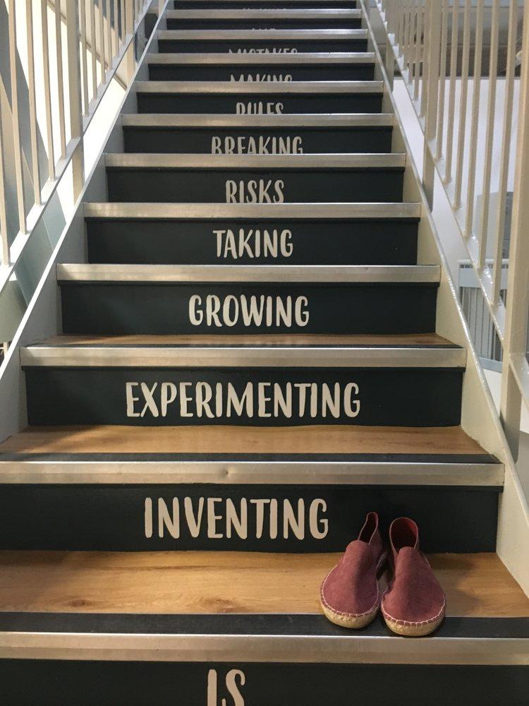 Juta Burgundy Suede Espadrilles Stairs.JPG