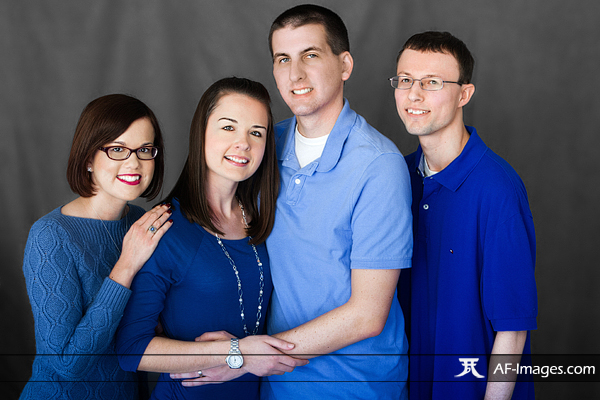 Family portrait photograph. Pasadena, MD. (Copyright Angela Ferguson Photography)