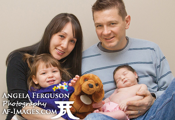 Family Portrait Photo by Angela Ferguson Photography, Millersville, MD.