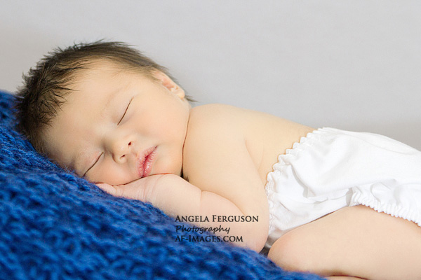 6 Reasons to Book Your Newborn Session Early