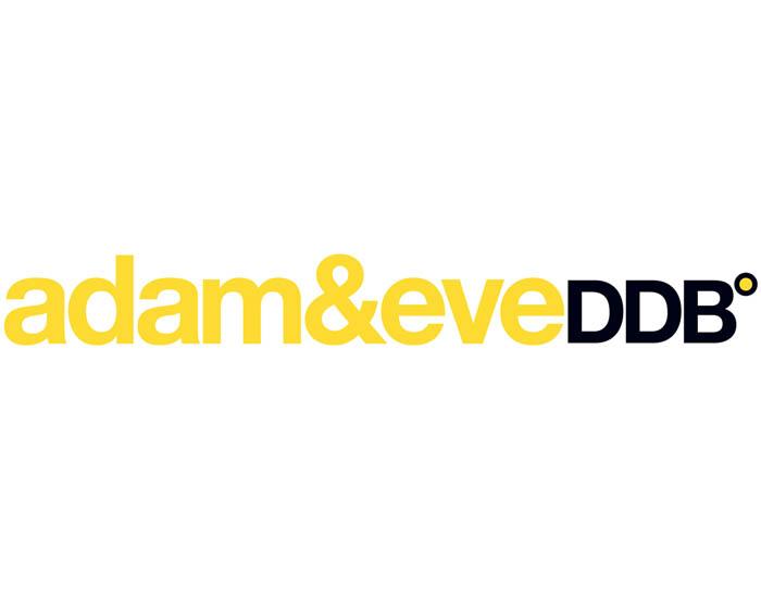 ADAMEVEC21.jpg