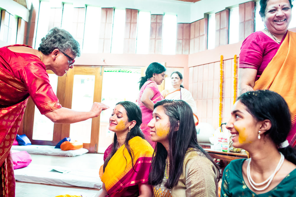 tamil-telugu-candid-wedding-bangalore-0009.jpg