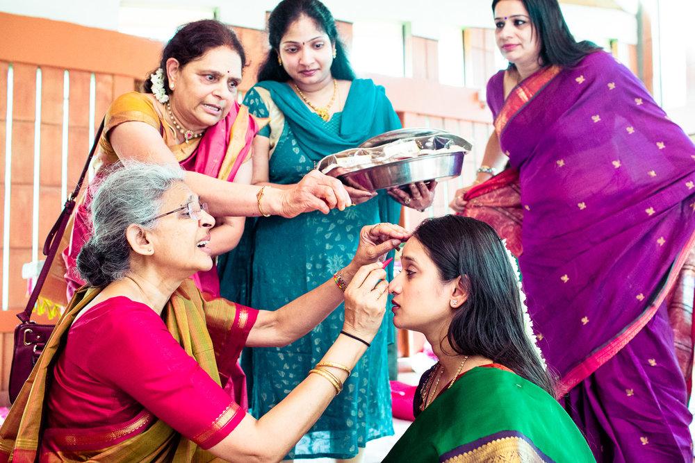 tamil-telugu-candid-wedding-bangalore-0011.jpg