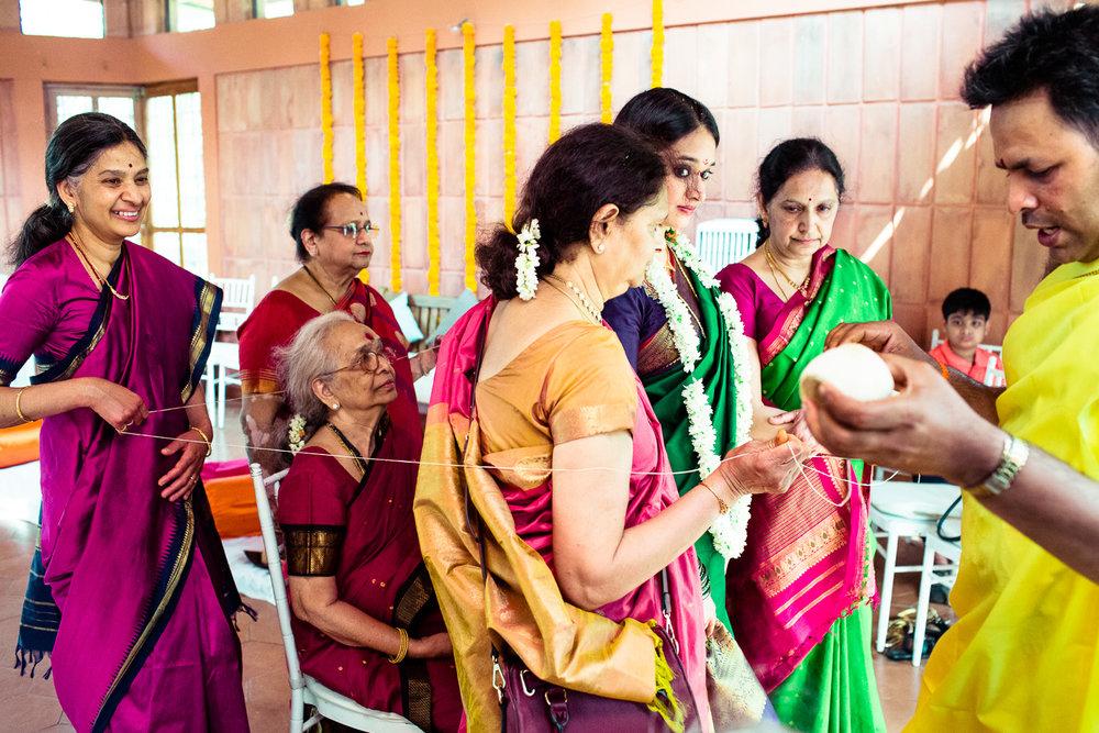 tamil-telugu-candid-wedding-bangalore-0016.jpg