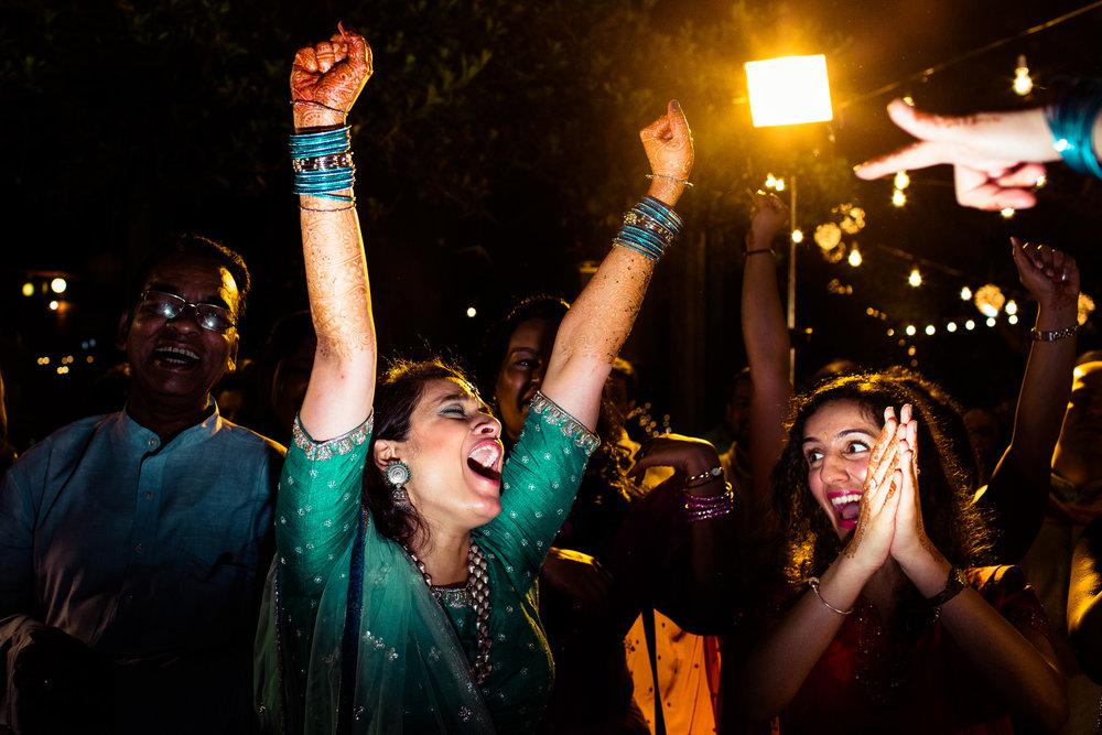tamil-telugu-candid-wedding-bangalore-0083.jpg