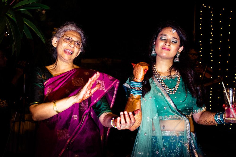 tamil-telugu-candid-wedding-bangalore-0068.jpg