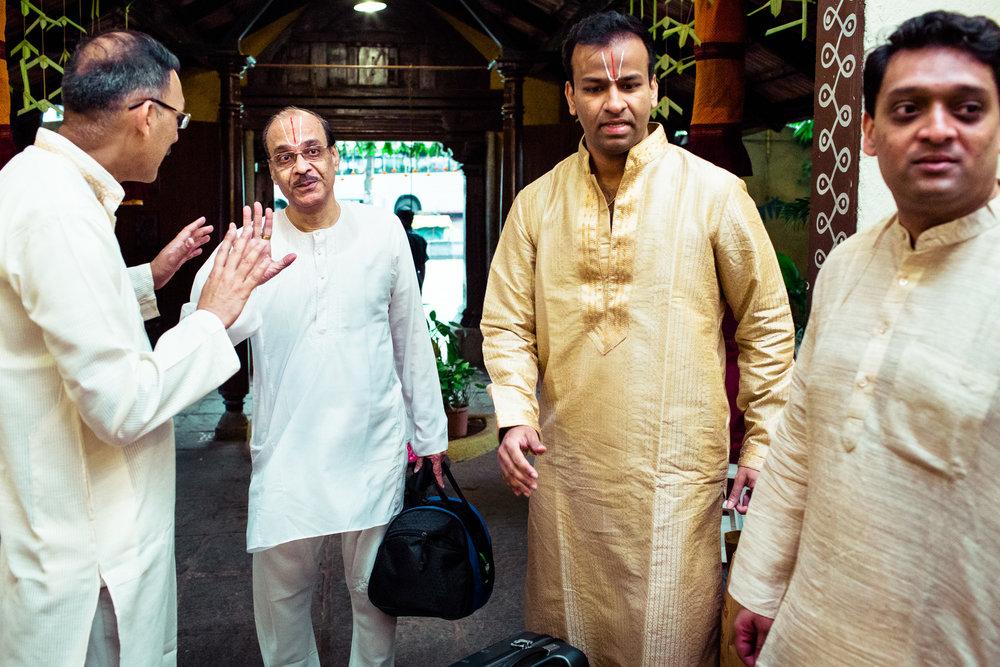 tamil-telugu-candid-wedding-bangalore-0102.jpg