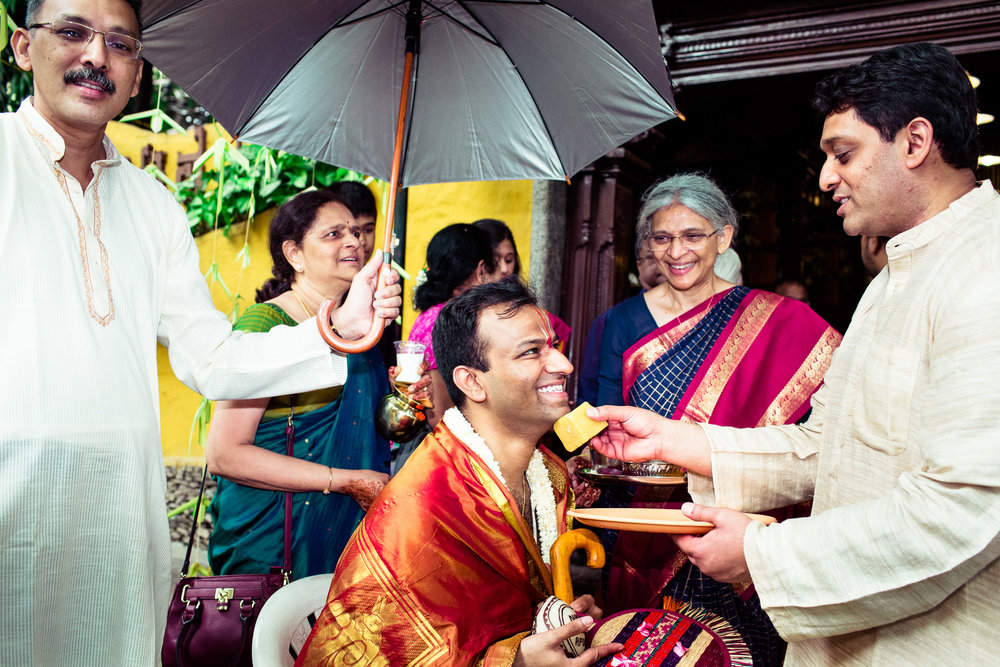 tamil-telugu-candid-wedding-bangalore-0107.jpg