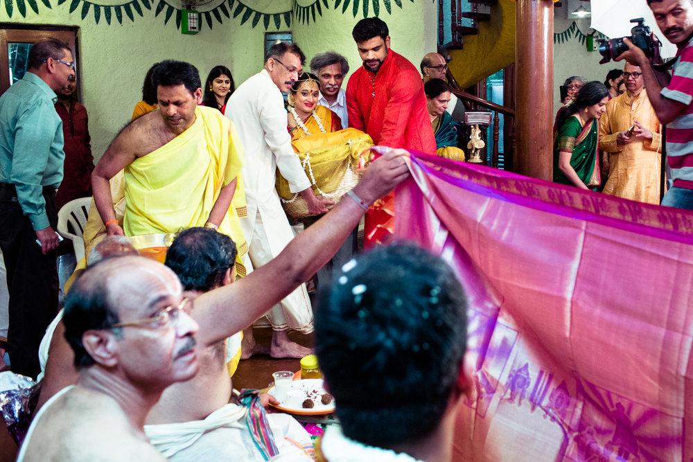 tamil-telugu-candid-wedding-bangalore-0112.jpg