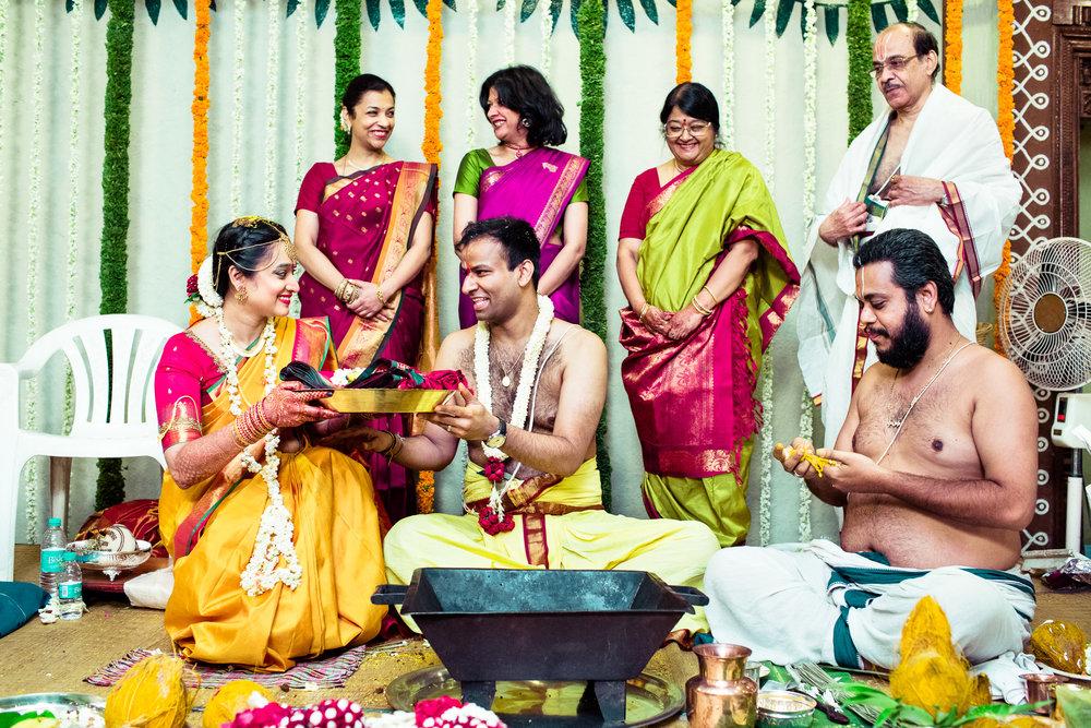 tamil-telugu-candid-wedding-bangalore-0121.jpg