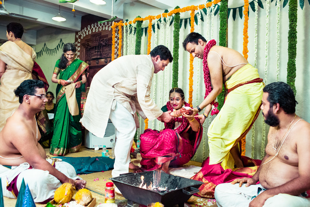tamil-telugu-candid-wedding-bangalore-0132.jpg
