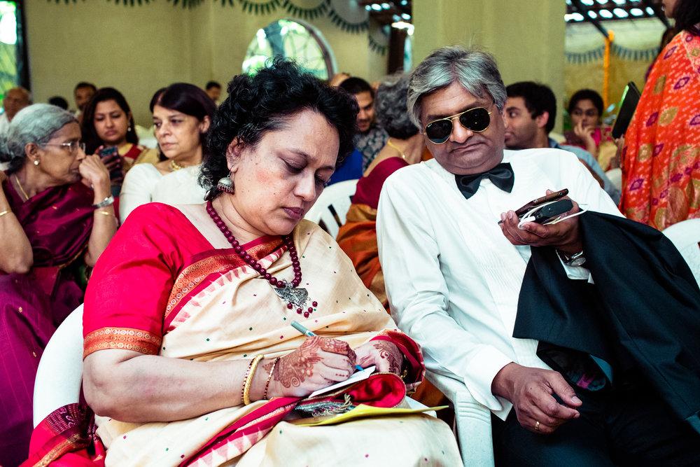 tamil-telugu-candid-wedding-bangalore-0143.jpg