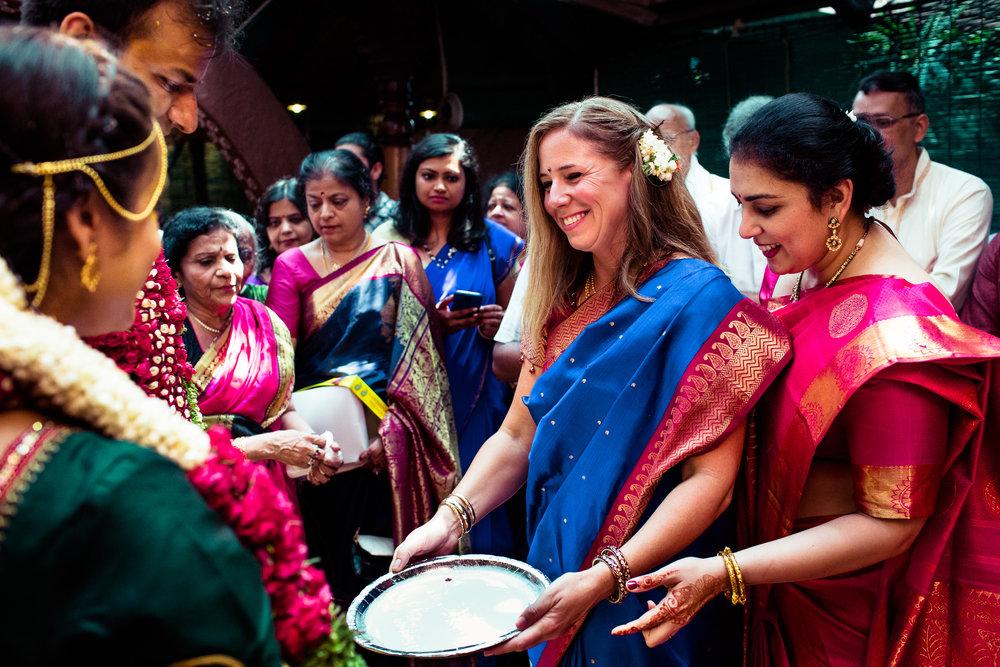 tamil-telugu-candid-wedding-bangalore-0145.jpg