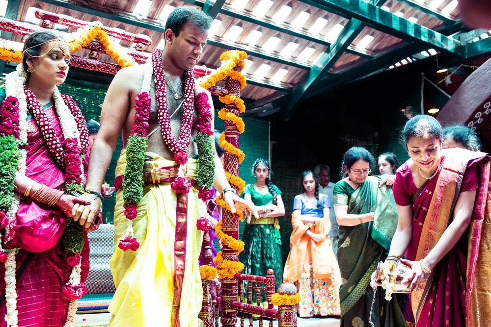 tamil-telugu-candid-wedding-bangalore-0149.jpg