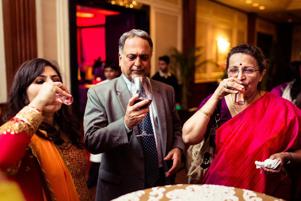 best-candid-wedding-photographer-delhi-0020.jpg