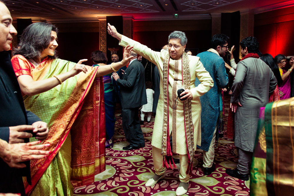 best-candid-wedding-photographer-delhi-0077.jpg