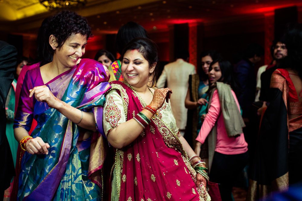 best-candid-wedding-photographer-delhi-0085.jpg