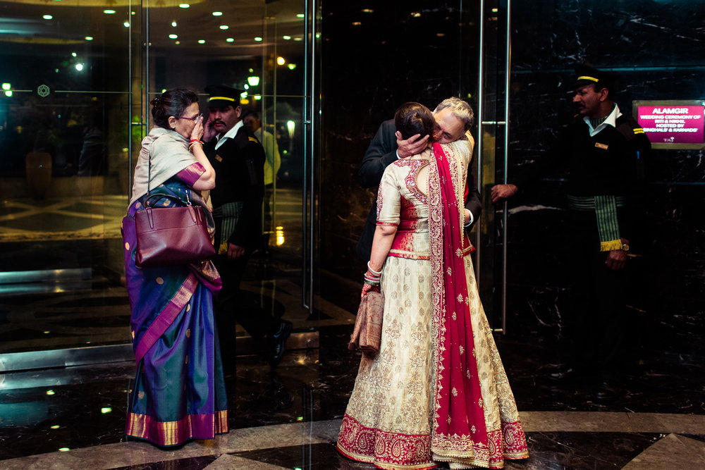 best-candid-wedding-photographer-delhi-0089.jpg