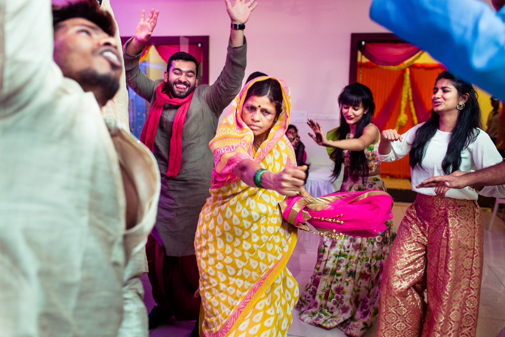 best-candid-wedding-photographers-bangalore-0018.jpg