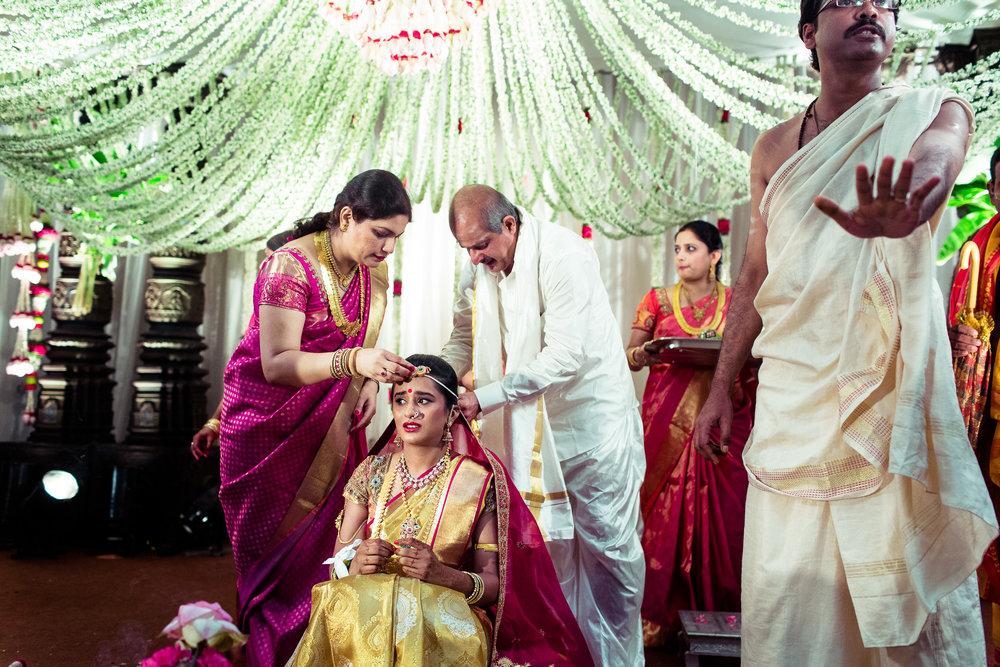 best-candid-wedding-photographers-bangalore-0039.jpg
