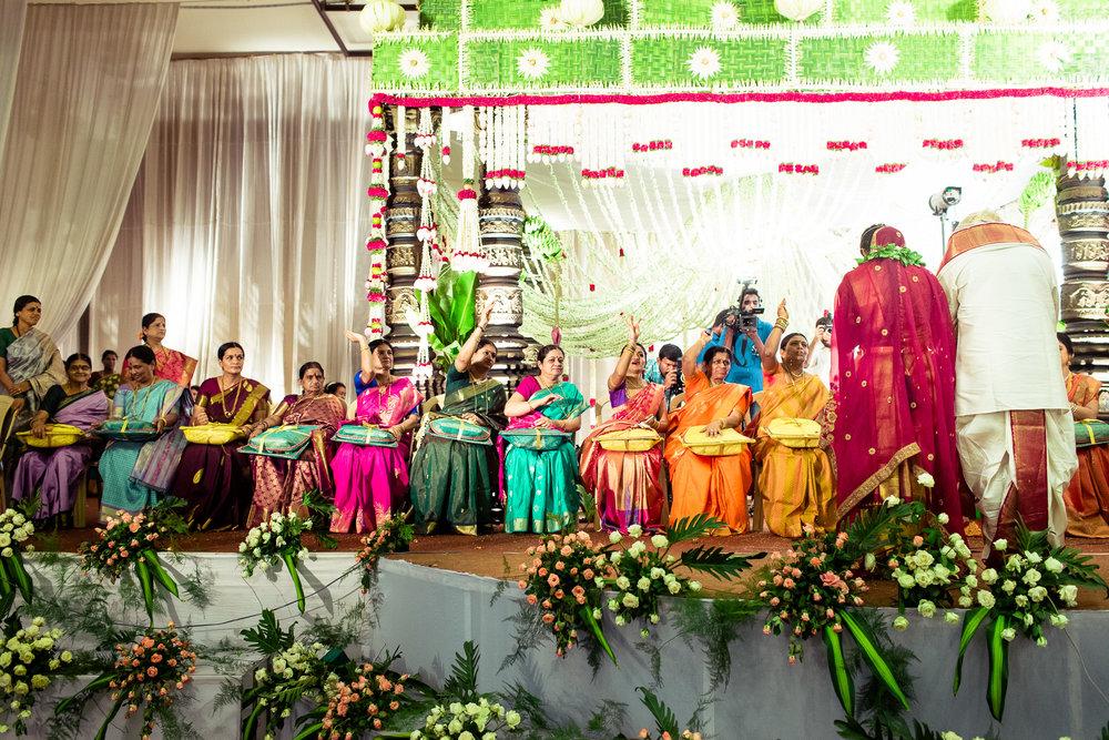 best-candid-wedding-photographers-bangalore-0057.jpg