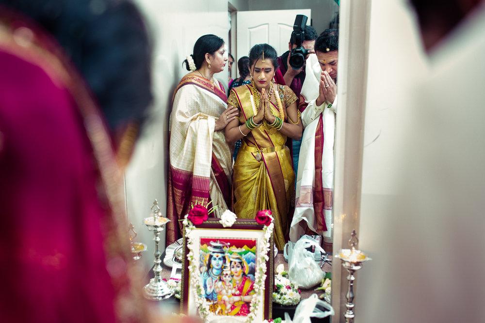best-candid-wedding-photographers-bangalore-0063.jpg