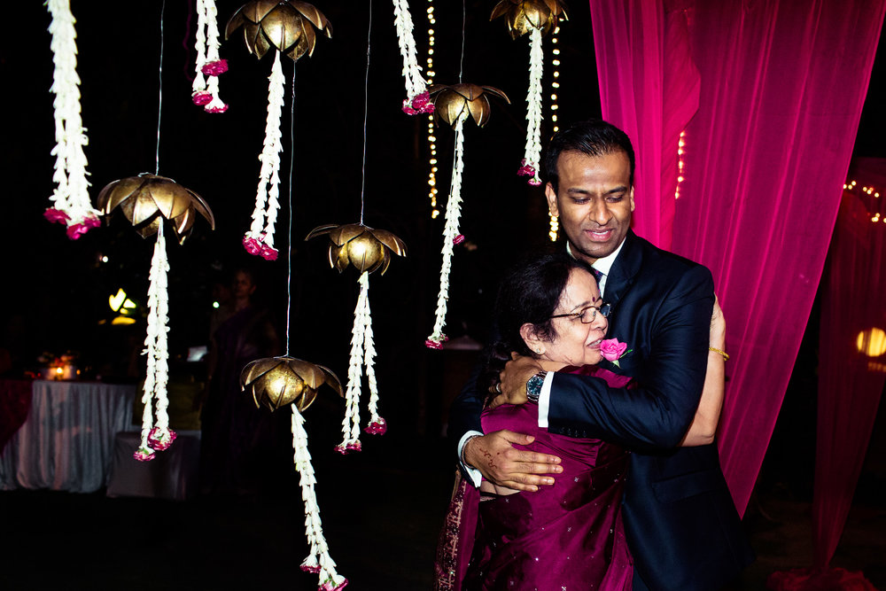 tamil-telugu-candid-wedding-bangalore-0162.jpg
