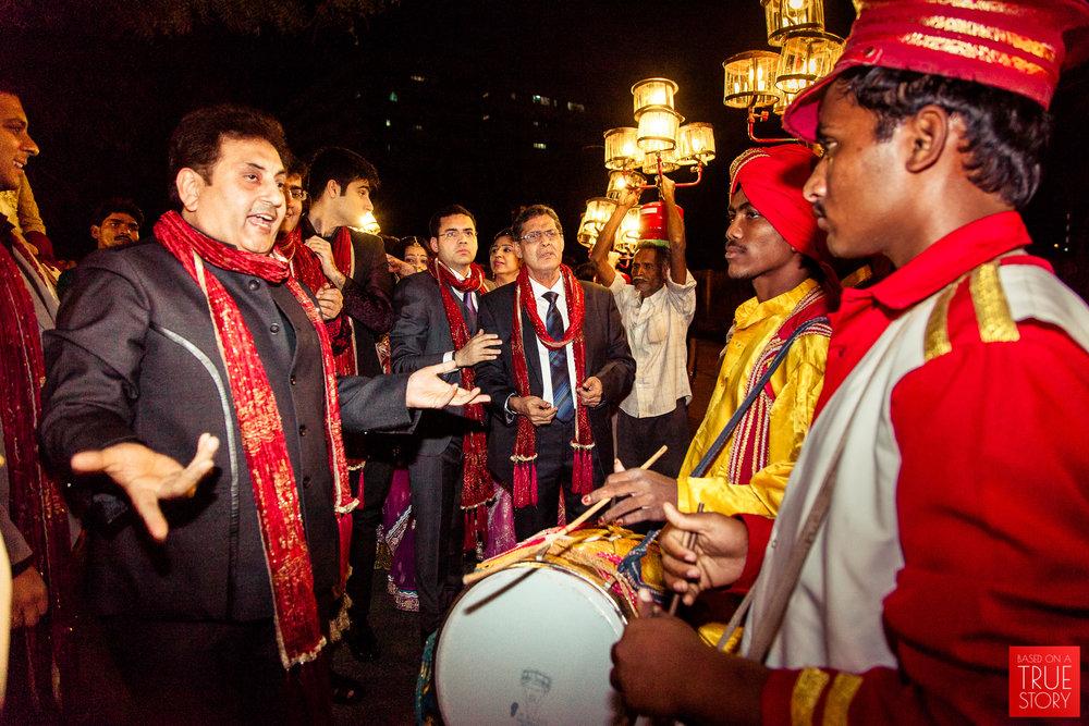 candid-punjabi-wedding-photographers-hyderabad-0043.jpg