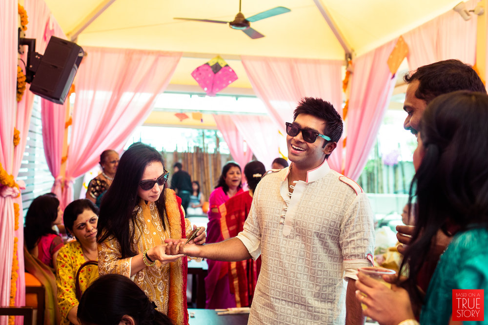 candid-wedding-photographers-bangalore-0001.jpg
