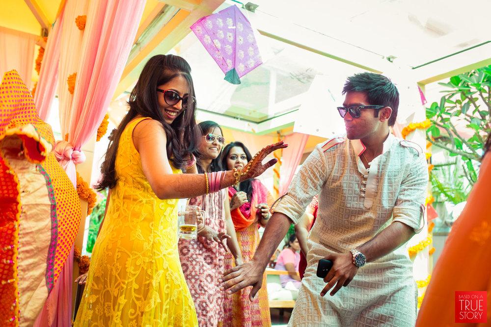 candid-wedding-photographers-bangalore-0010.jpg