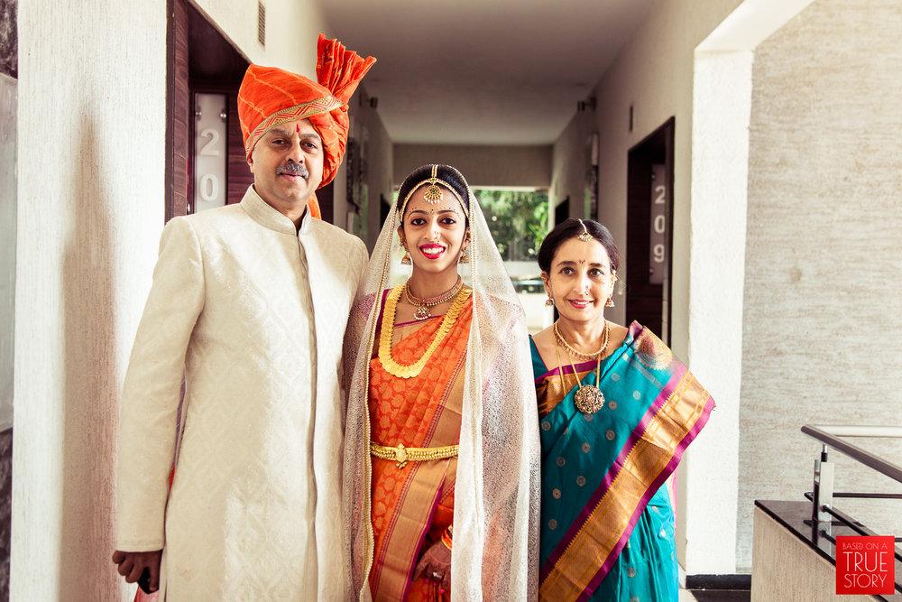 candid-wedding-photographers-bangalore-0035.jpg
