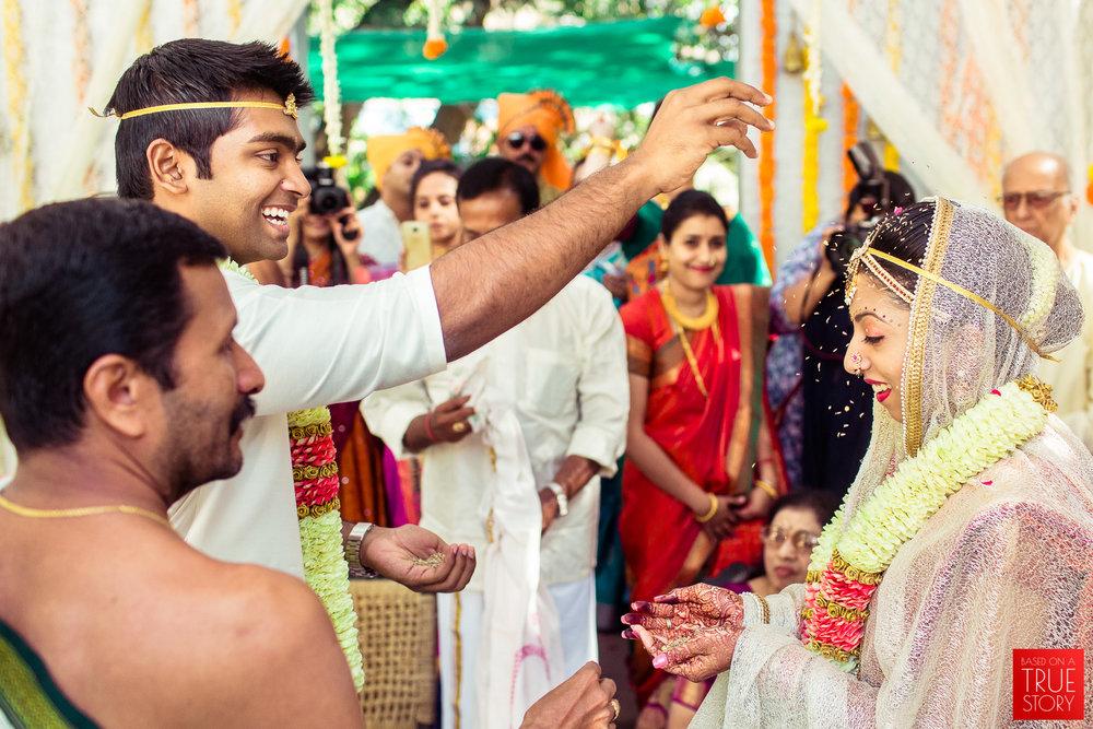candid-wedding-photographers-bangalore-0045.jpg