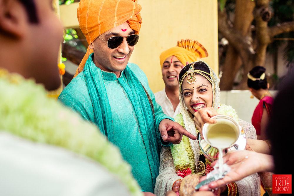 candid-wedding-photographers-bangalore-0048.jpg