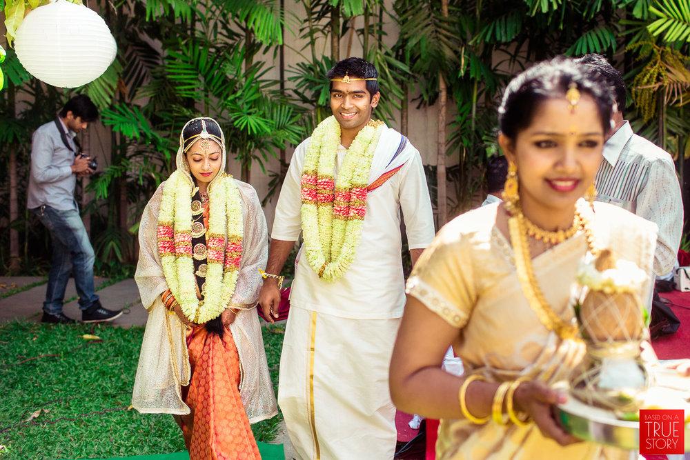candid-wedding-photographers-bangalore-0060.jpg