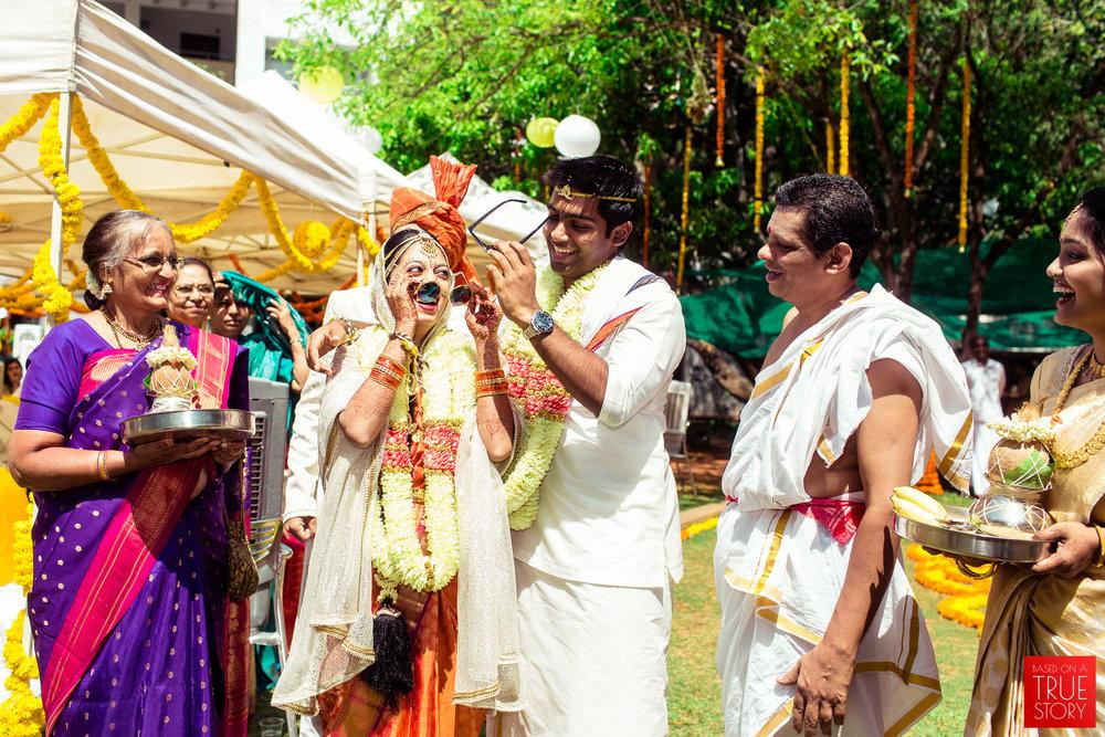 candid-wedding-photographers-bangalore-0061.jpg