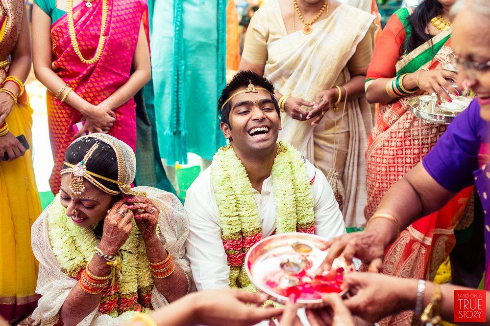 candid-wedding-photographers-bangalore-0062.jpg
