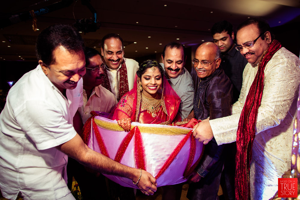 best-candid-wedding-photographers-vizag-0015.jpg
