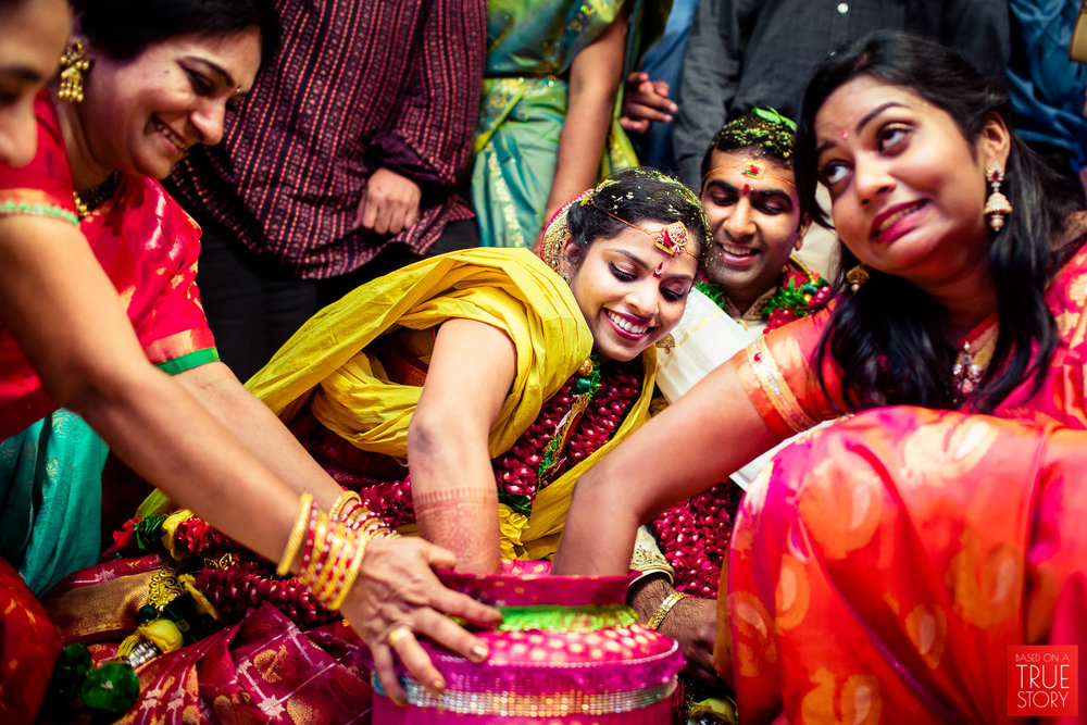 best-candid-wedding-photographers-vizag-0032.jpg