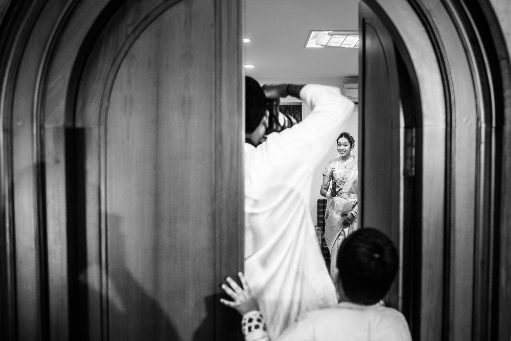 best-candid-wedding-photographer-bangalore-0018.jpg