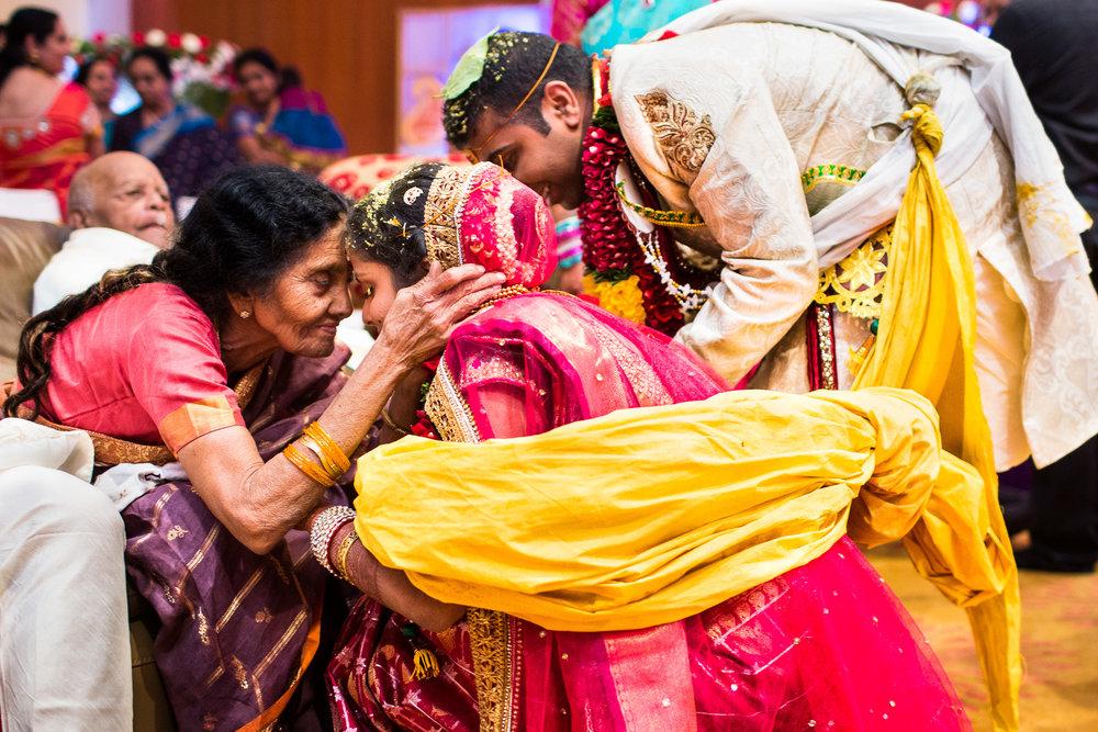 best-candid-wedding-photographer-bangalore-0017.jpg