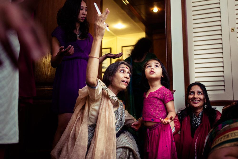 best-candid-wedding-photographer-bangalore-0035.jpg