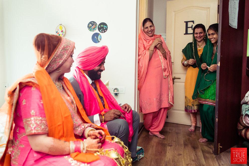 candid-photography-sikh-wedding-bangalore-0027.jpg